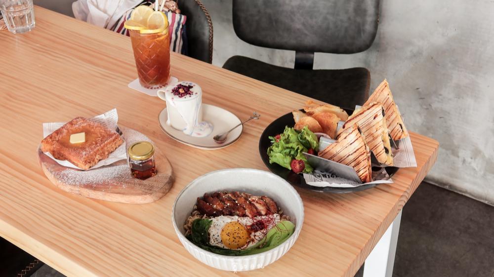 復興咖啡交易所 FXCE|台中東區美食|文清裝潢的港式料理!髒髒咖啡、發霉咖啡、港式西多士