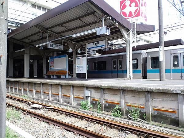 伊勢原車站
