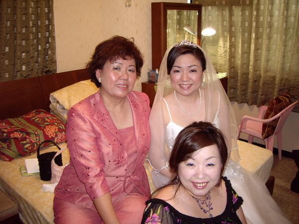 李媽媽跟親愛的女兒們