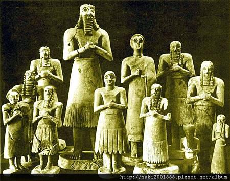 拜神的蘇美人(2500BC)