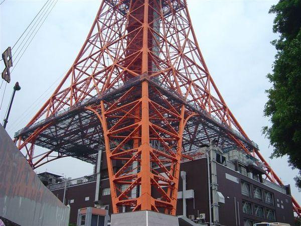 東京鐵塔下半部