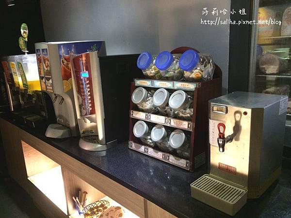 東區麻辣鍋火鍋吃到飽推薦 (1).jpg