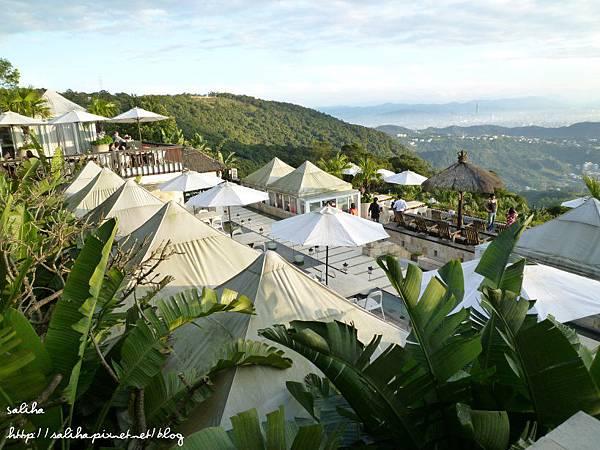 陽明山夜景餐廳屋頂上 (11).JPG