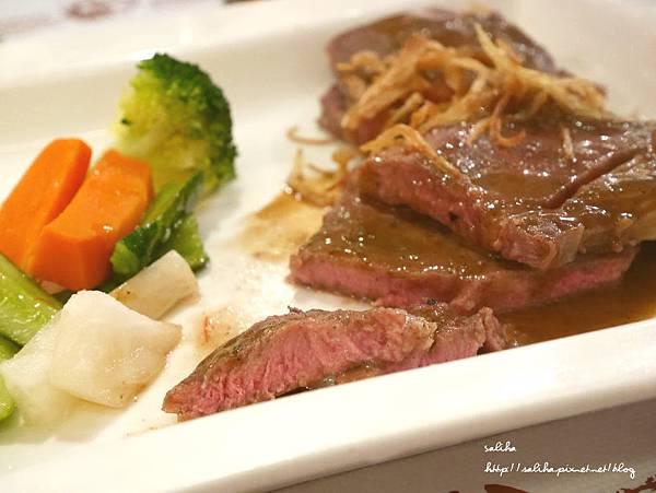 台北西門町餐廳歐皮恩時尚廚房 (17).JPG
