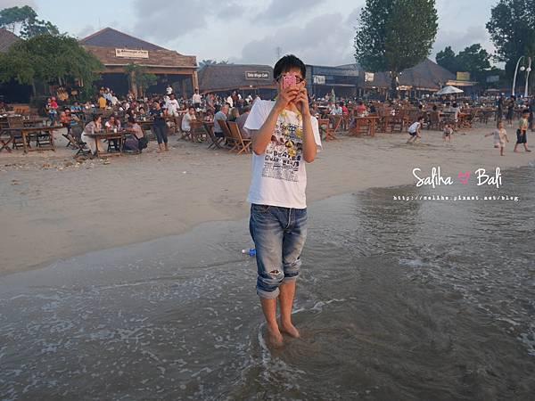 峇里島金巴蘭海灘BBQ (23).JPG