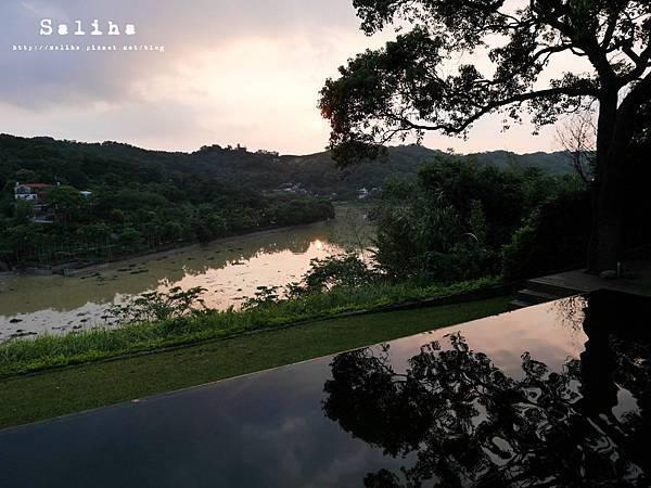 新竹景點二泉湖畔 (9).JPG