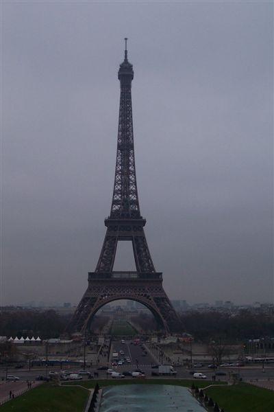 從夏瑤宮看鐵塔