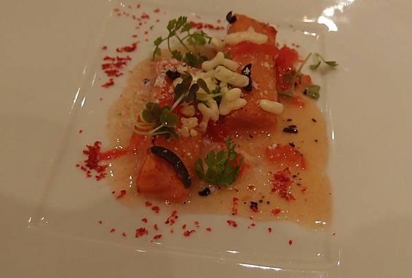 番茄鮭魚佐橄欖油.jpg