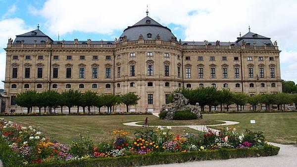 烏茲堡主教宮殿