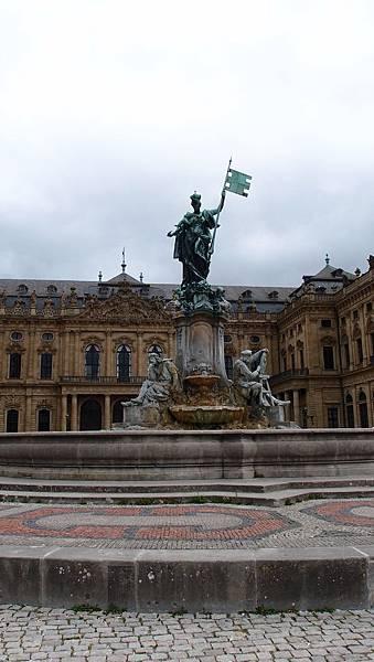 烏茲堡主教宮殿 法蘭克尼亞噴泉