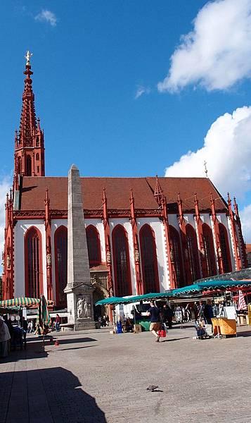 瑪莉恩教堂-市集廣場