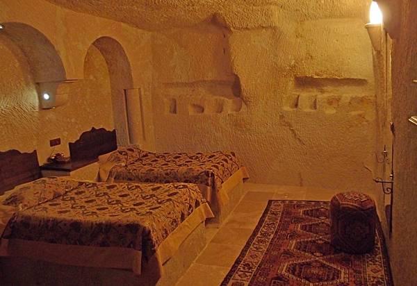 7.14 MDC 洞穴旅館