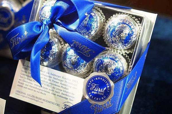 銀色的莫札特巧克力.jpg