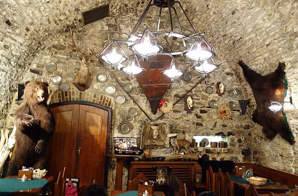 布拉格 地窖餐廳 (5).JPG