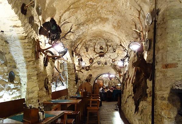 布拉格 地窖餐廳 (7).JPG