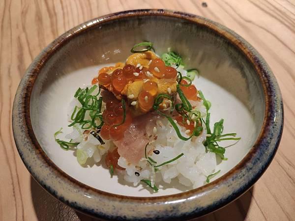 6海鮮三寶飯.jpg