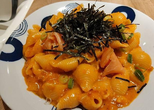煙燻鮭魚明太子海膽麵.jpg