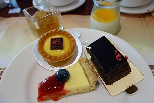 甜點櫃 (5).JPG