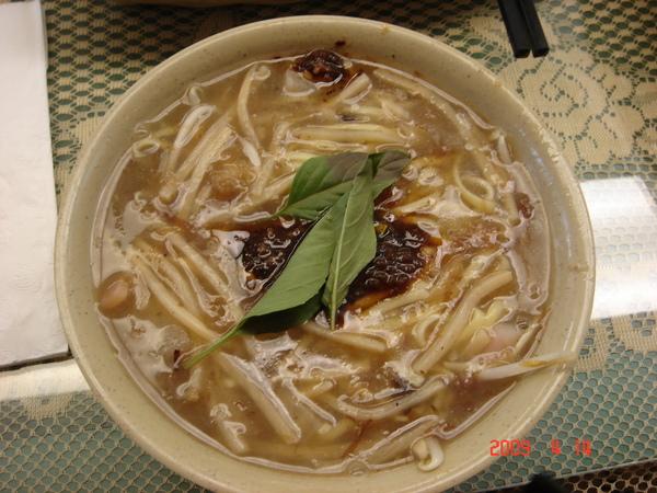 沙茶魷魚羹麵