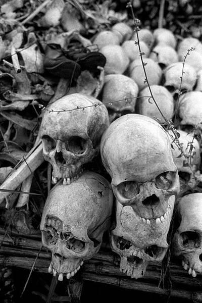 20160509烏干達內戰十萬枯骨