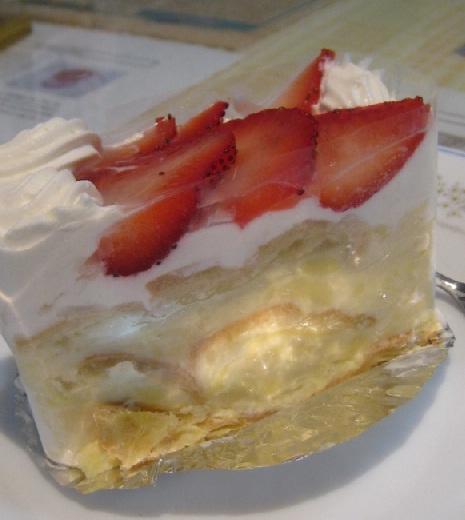 草莓拿破崙蛋糕.jpg