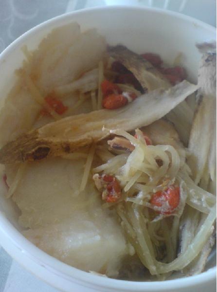 清蒸某中藥魚片.jpg