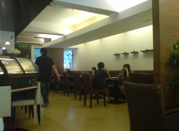 La Vie Cafe inside.jpg