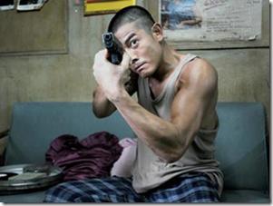 郭富城在新片《B 偵探》再度扮起柯南。