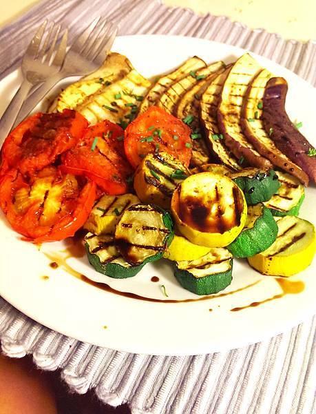孤身廚房-鑄鐵烤盤烤綜合蔬菜9