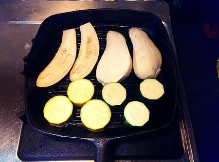 孤身廚房-鑄鐵烤盤烤綜合蔬菜7