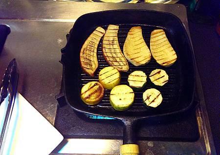 孤身廚房-鑄鐵烤盤烤綜合蔬菜8