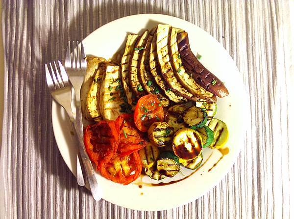 孤身廚房-鑄鐵烤盤烤綜合蔬菜1