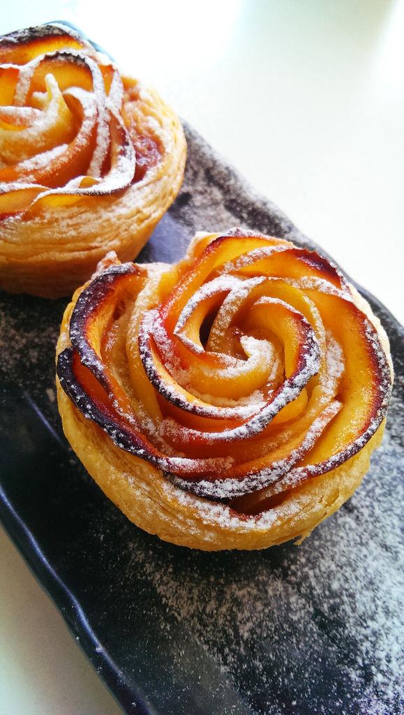 孤身廚房-【學料理】〈烘焙〉超方便!極簡單!蘋果玫瑰花捲18.jpg