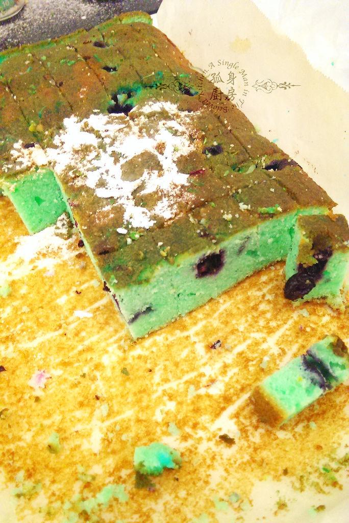孤身廚房-藍色藍莓磅蛋糕3.jpg