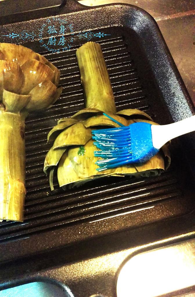 孤身廚房-義式綜合香料橄欖油蒸烤朝鮮薊23.jpg