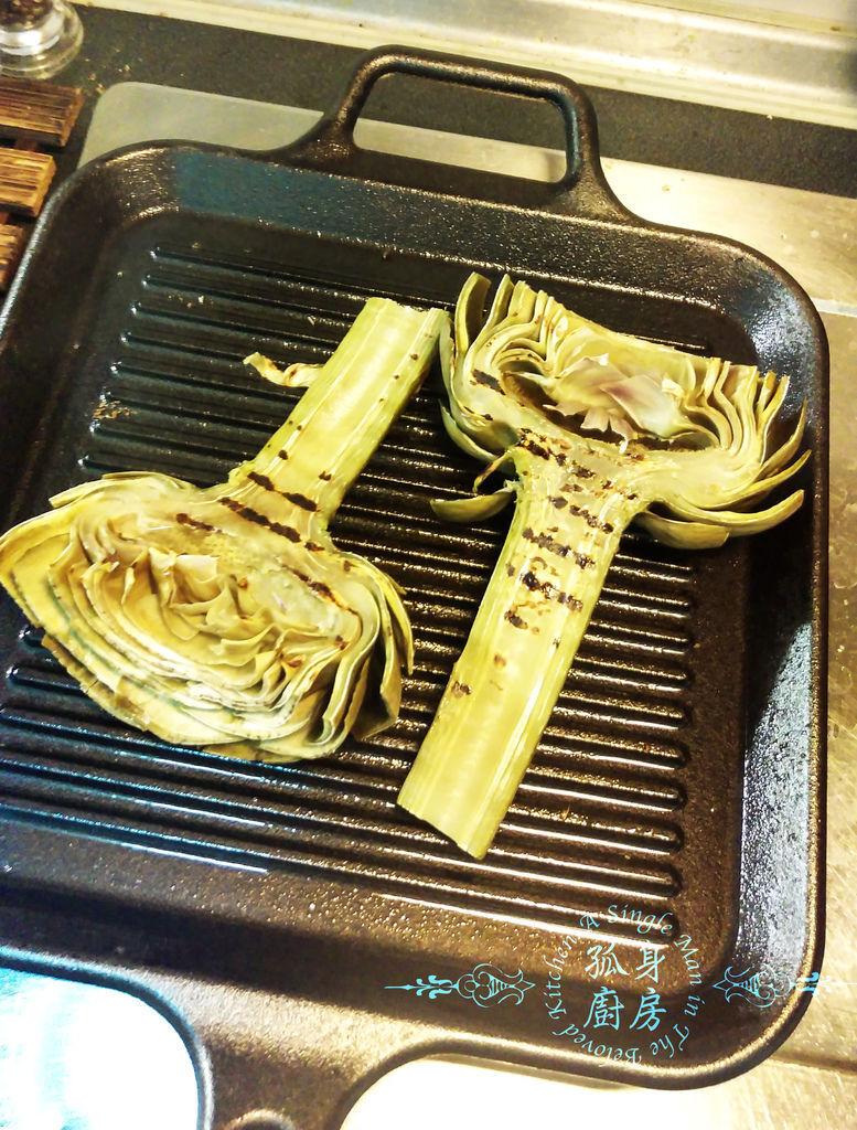 孤身廚房-義式綜合香料橄欖油蒸烤朝鮮薊24.jpg