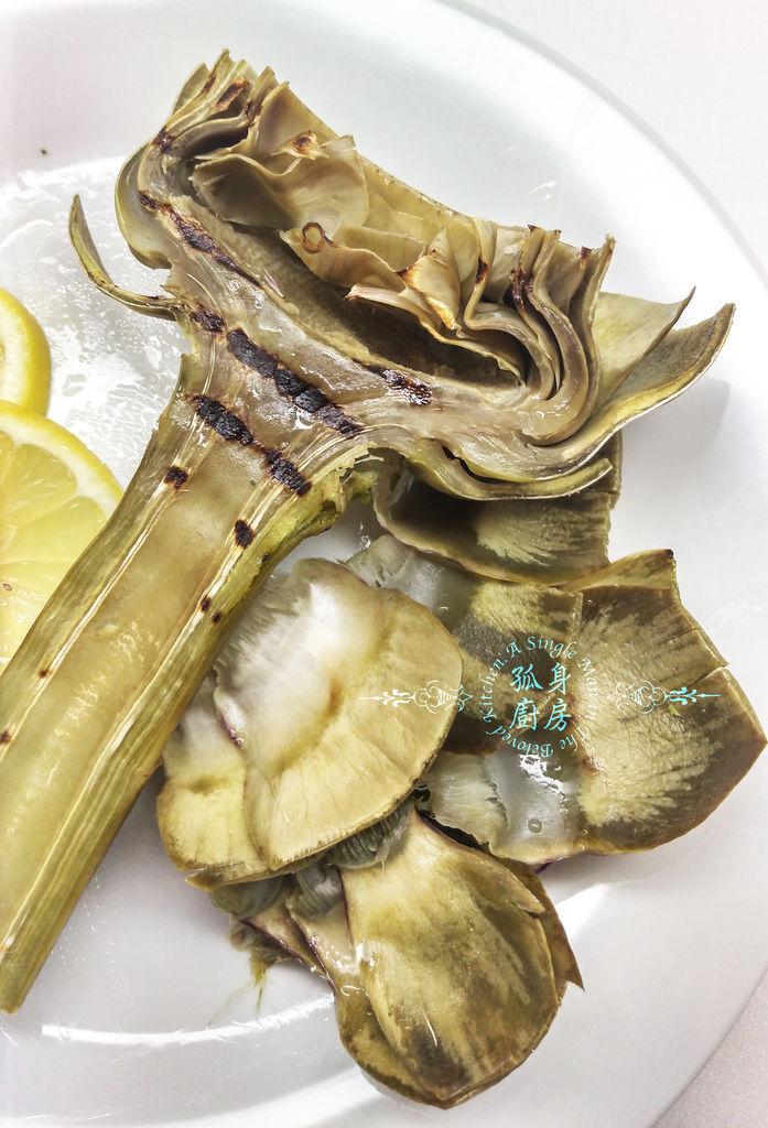 孤身廚房-義式綜合香料橄欖油蒸烤朝鮮薊30.jpg