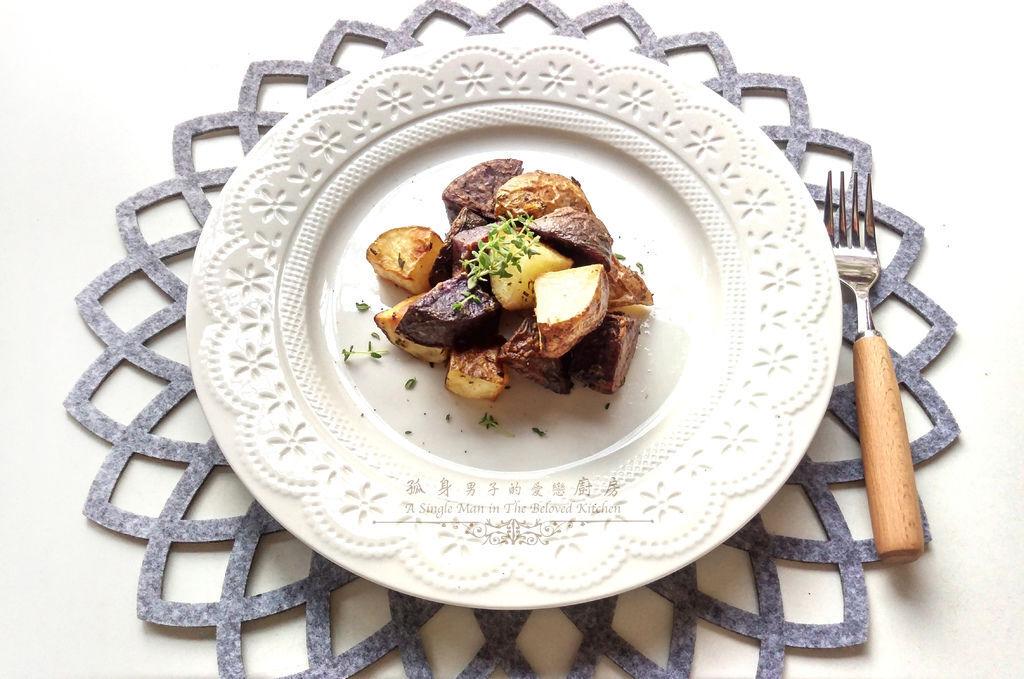 孤身廚房-香草烤雙色馬鈴薯──好吃又簡單的烤箱料理2