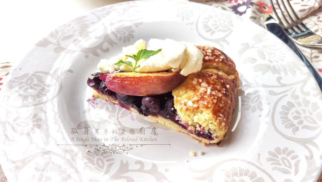 孤身廚房-藍莓甜桃法式烘餅Blueberry-Nectarine Galette