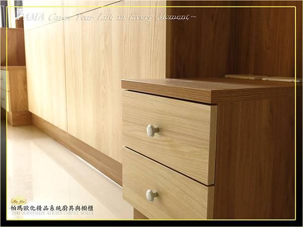 主臥床頭櫃PM2014082-9