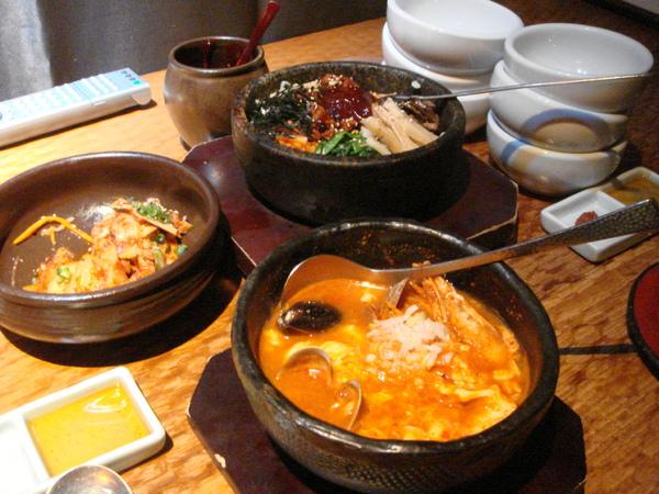 這家店是在新宿高島屋附近 超貴的一餐 但每次都來吃