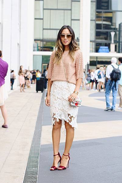 song-of-style-chloe-top-lace-skirt-oscar-tiye.jpg