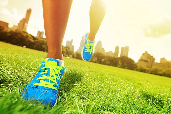 running-shoes-NYC-background-sunrise-shutterstock_112330748-copy-e1456843813225.jpg
