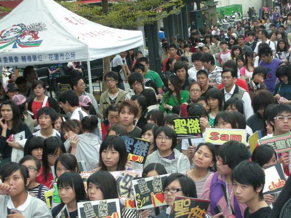 0316_花蓮-舊鐵道 簽唱會.JPG