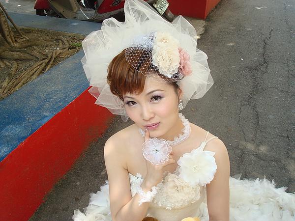 借人當模特兒拍的新娘照.jpg