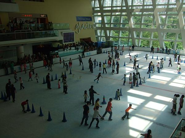 又一城的溜冰場