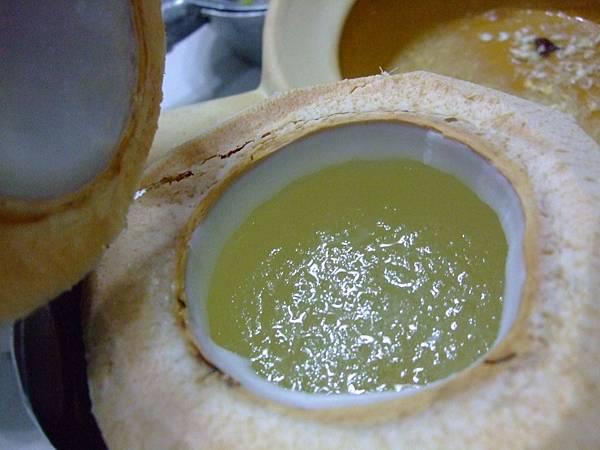 椰子燉燕窩
