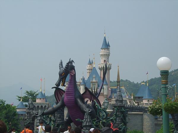 惡龍與睡公主城堡
