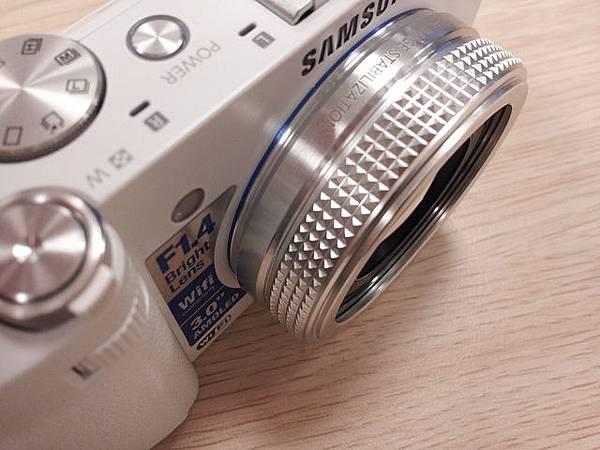Samsung EX2F 大光圈F1.4「日光白」11月23日 新色登場 5