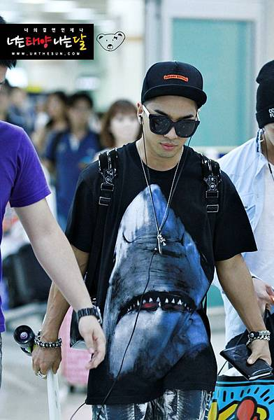 bigbangupdates taeyang airport_006